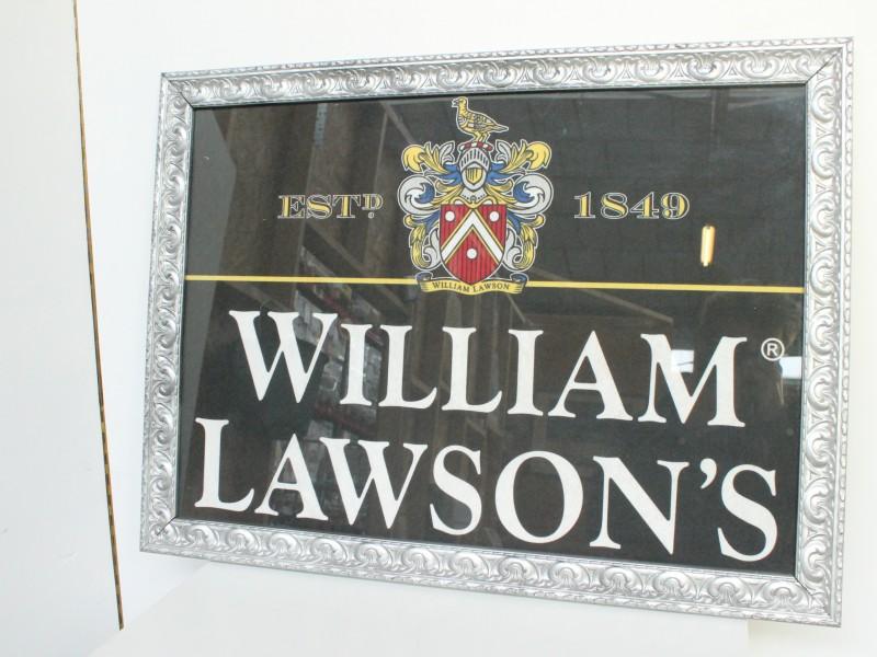 William Lawson's: Embleem in Kader