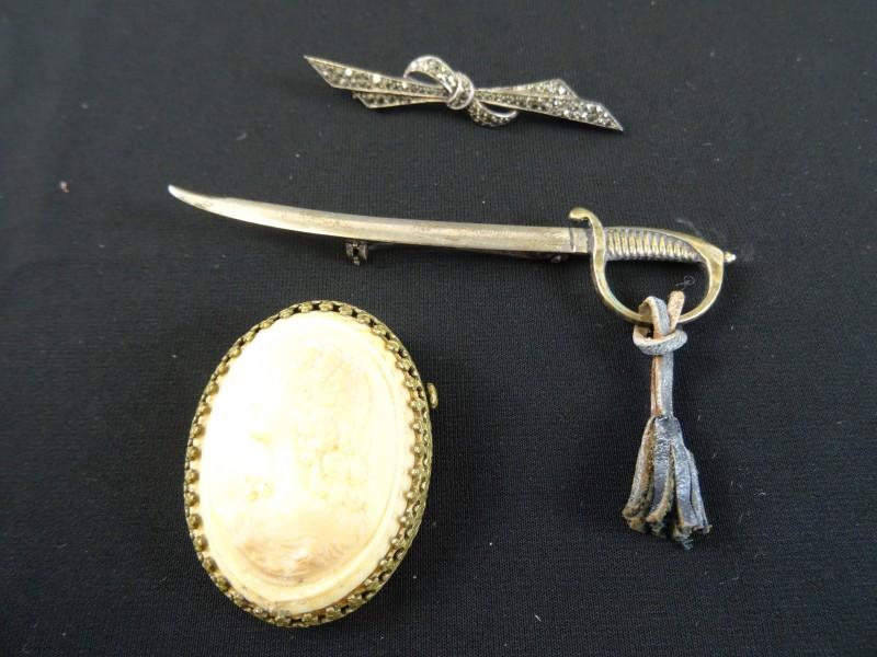 juwelen: 3 antieke broches
