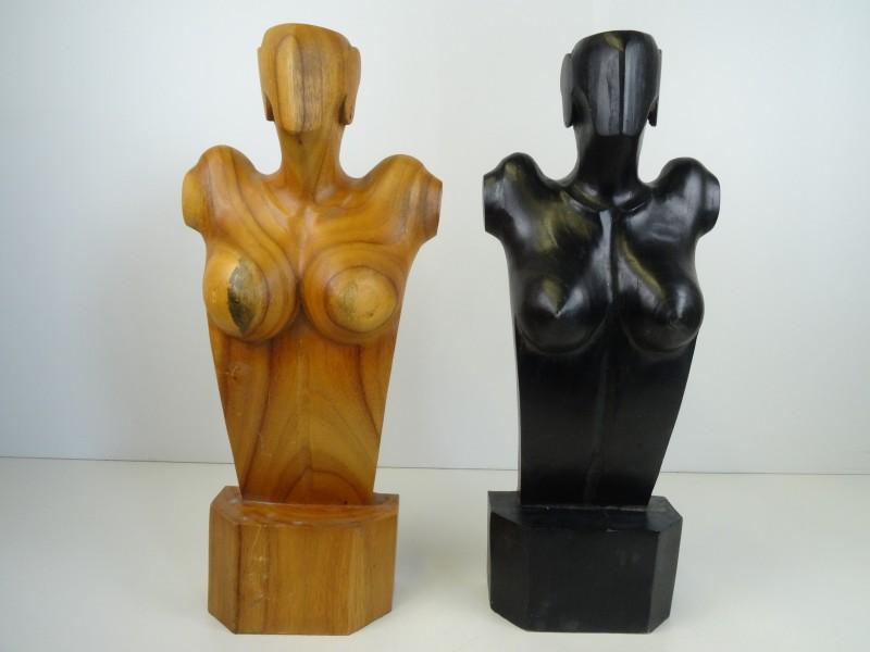 2 houten torso's vrouwelijk naakt
