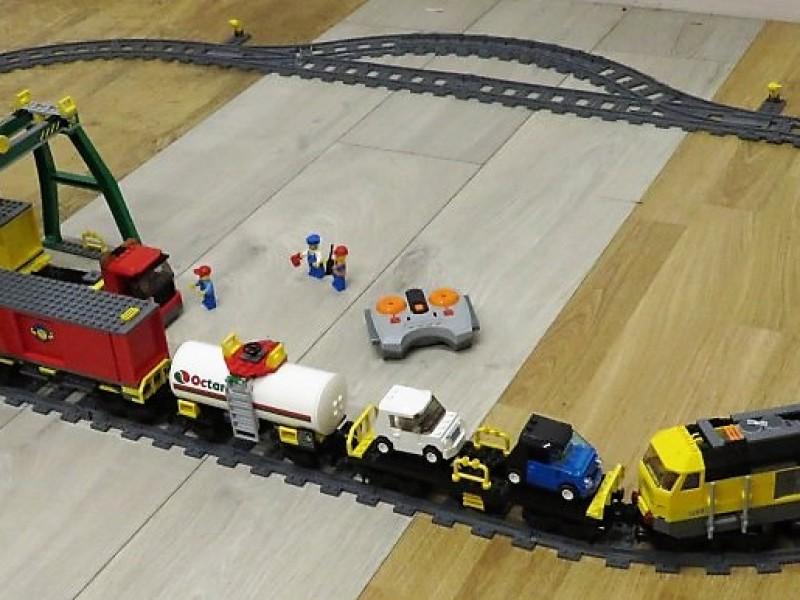 Legotrein met wagons  7939 (remote control)