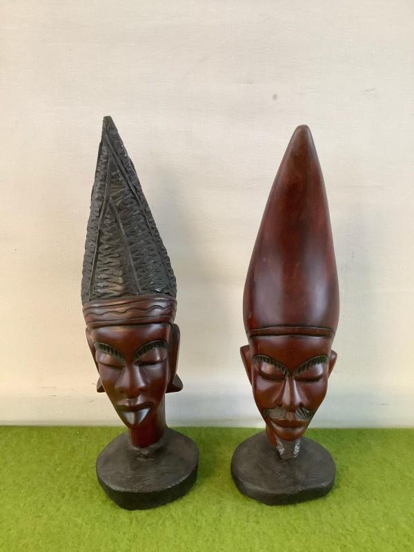 2 etnische beeldjes