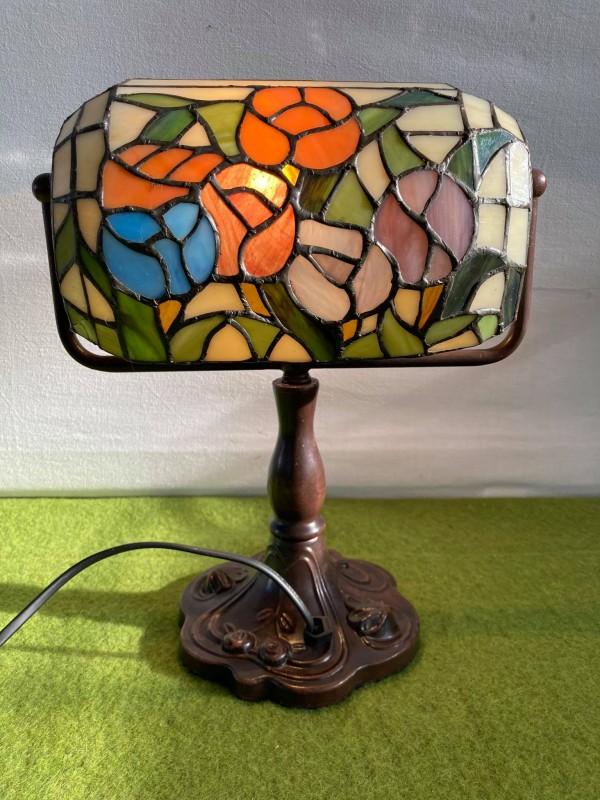Bureaulamp in Tiffany stijl