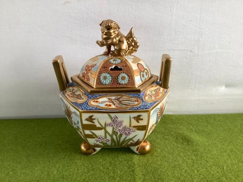 Chinese pot met deksel met een Foo-dog