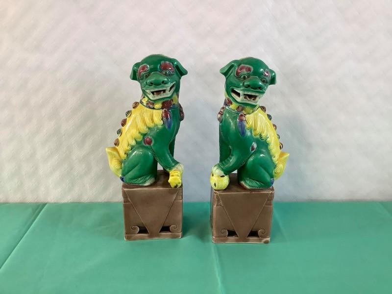 2 Chinese Foo Dog / Dragon beelden