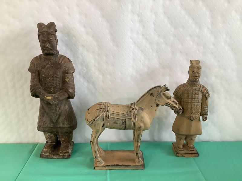 Chinese terracotta strijders en een paard