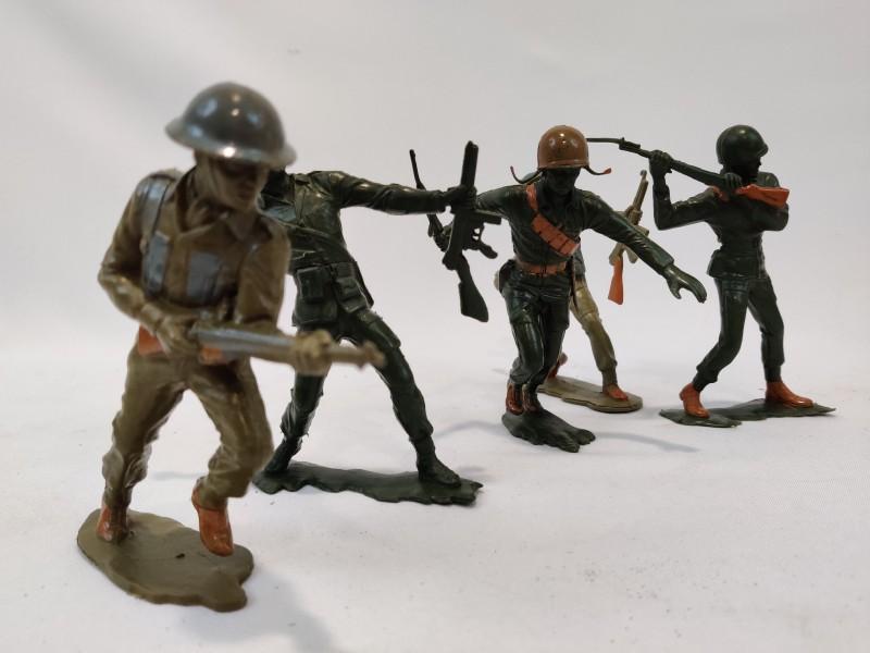 5 vintage soldaten, Louis Marx
