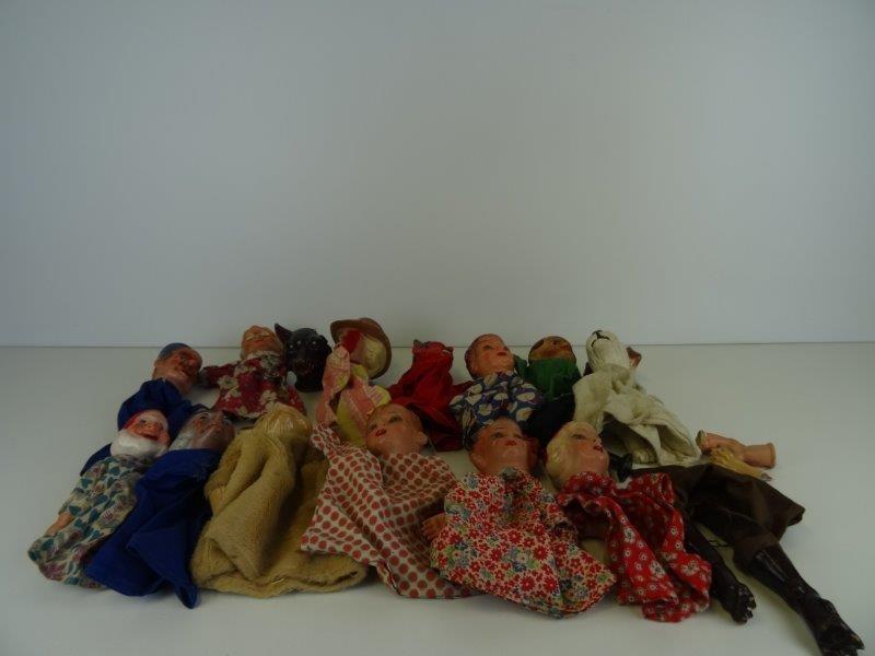 Lot porseleinen handpoppen Jan Klaassen