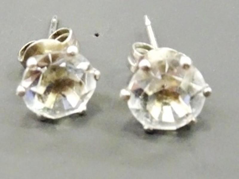 zilveren steekoorbellen