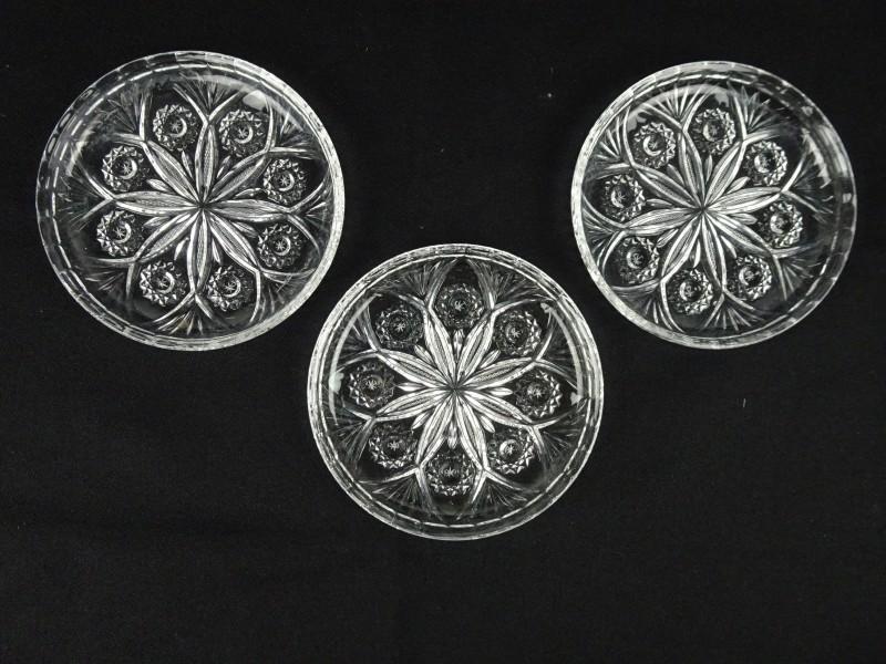 3 mooie glazen schoteltjes
