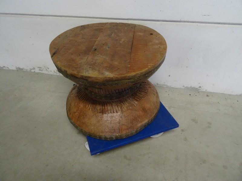 Oud Etnische  (bijzet)tafel