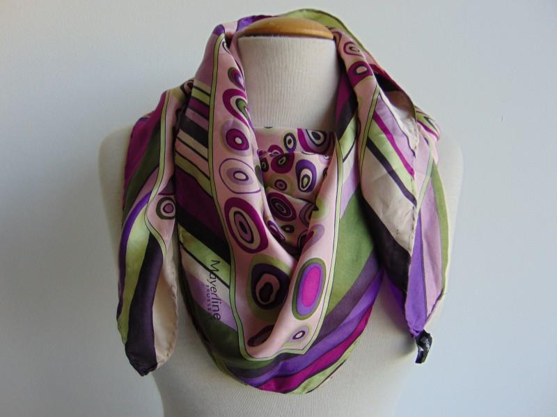 Vintage setje stoffen oorbellen en pin