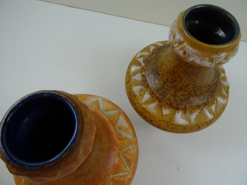 Strehla: 2 bruine keramische designvazen 20e eeuw