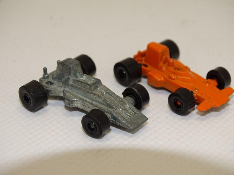2 Kleine Race Wagens: Lotus + Surtees