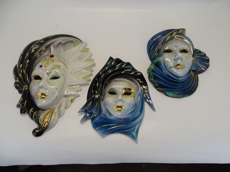 3  Venetiaanse Maskers