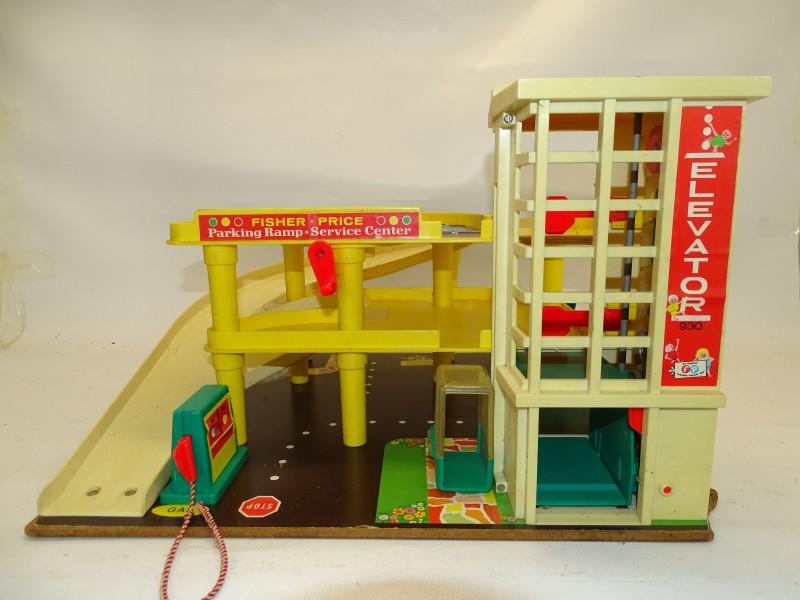 Parkeergarage / Parking Ramp Service Center: Fisher Price Toys, 1970