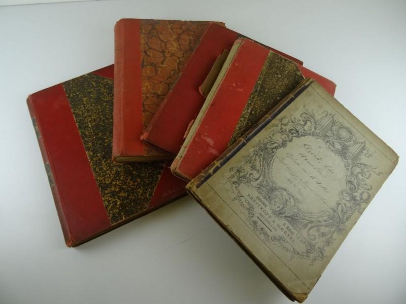 5 partituren in hardcovers