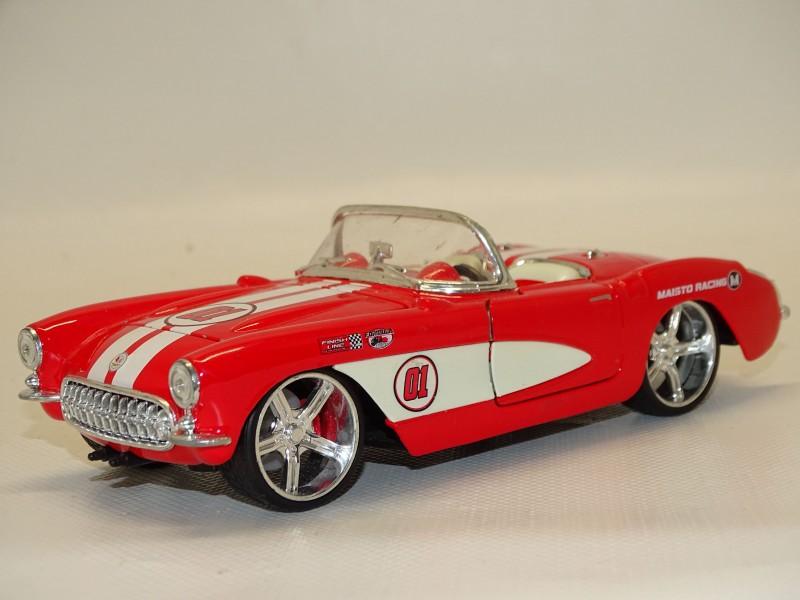 Schaalmodel: Chevrolet Corvette 1957, Maisto