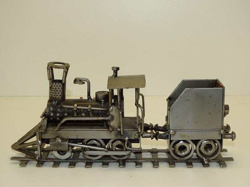 Hinz & Kunst: Locomotief