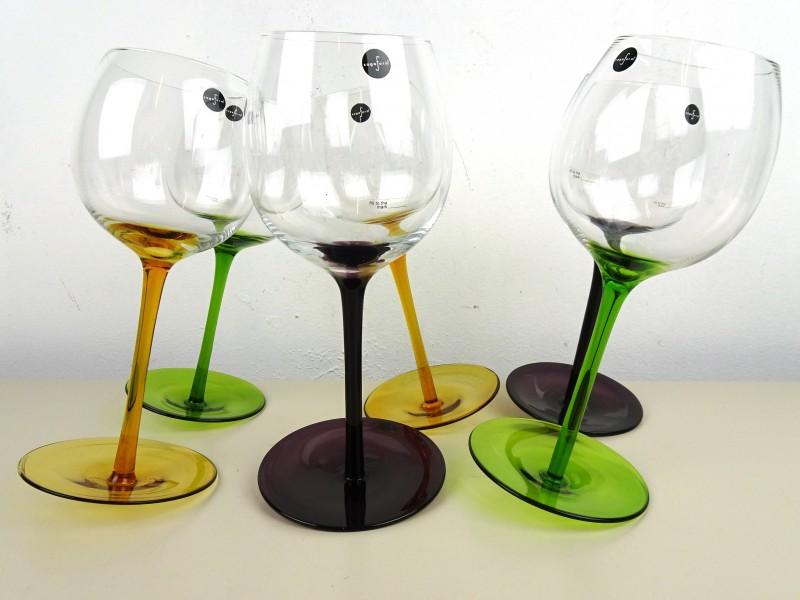 Schuine wijnglazen (Sagaform)