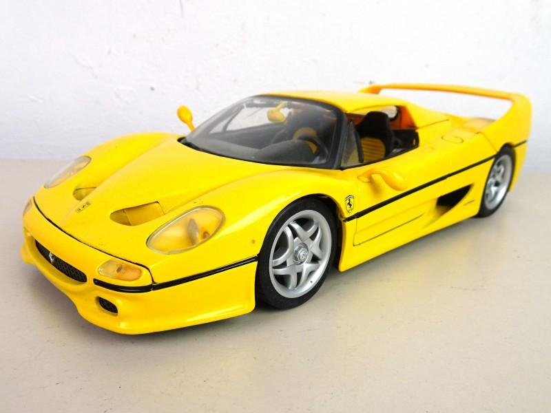 Ferrari F50 op schaal