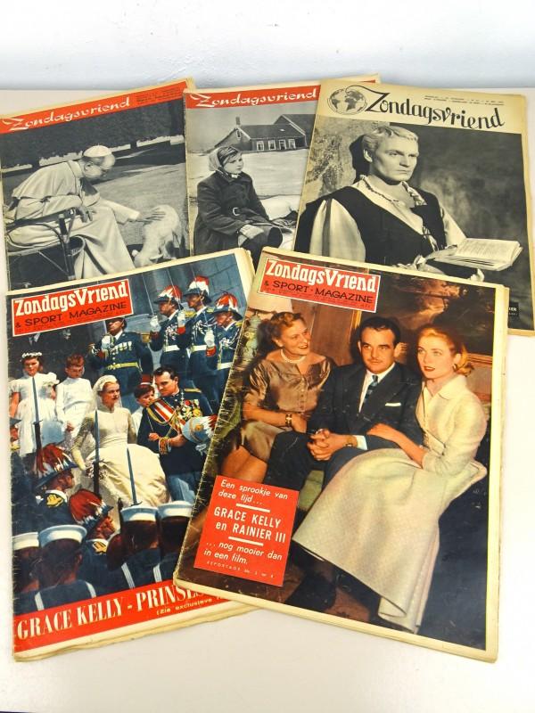 """Verzameling vintage weekbladen """"Zondagsvriend"""""""
