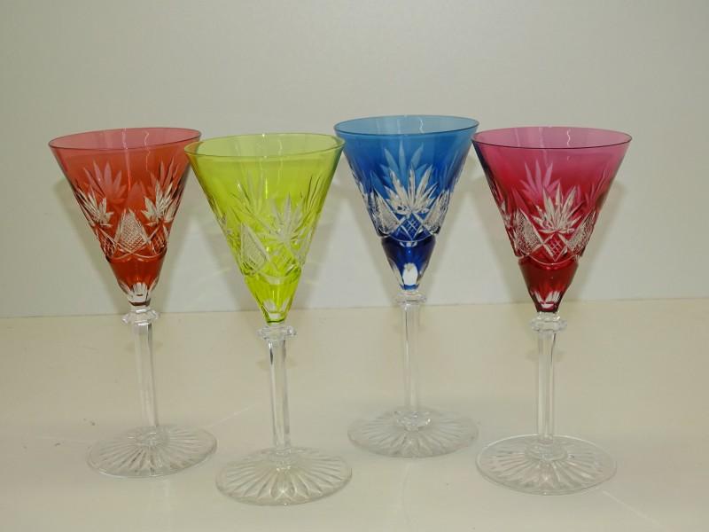 4 Kleurrijke Geslepen Glazen