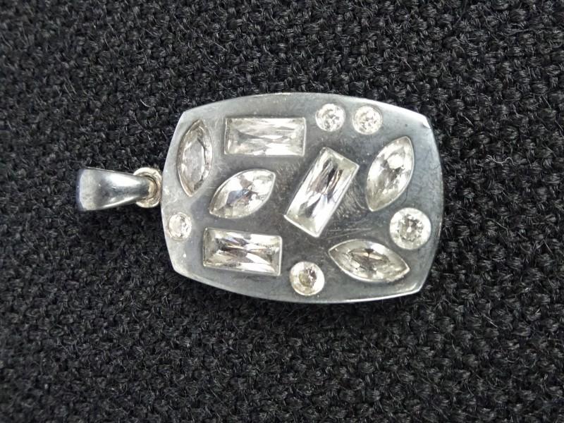 Zilveren hangertje