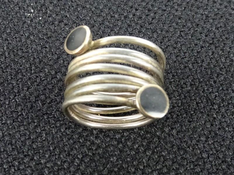 Spiraalvormige zilveren ring
