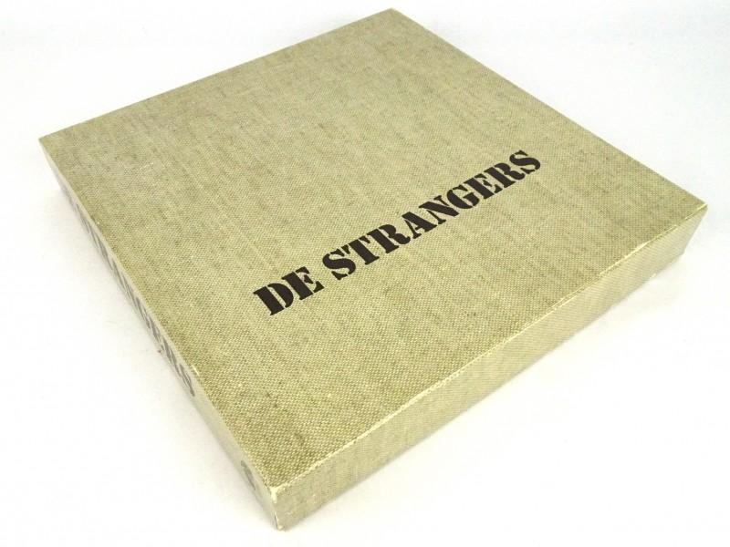 Verzamel-box De Strangers