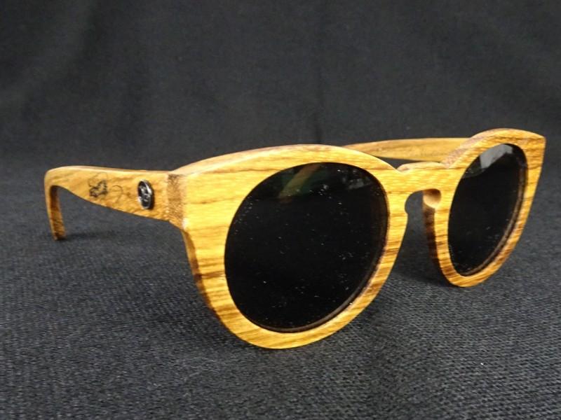 Zonnebril houten montuur (OZ.).