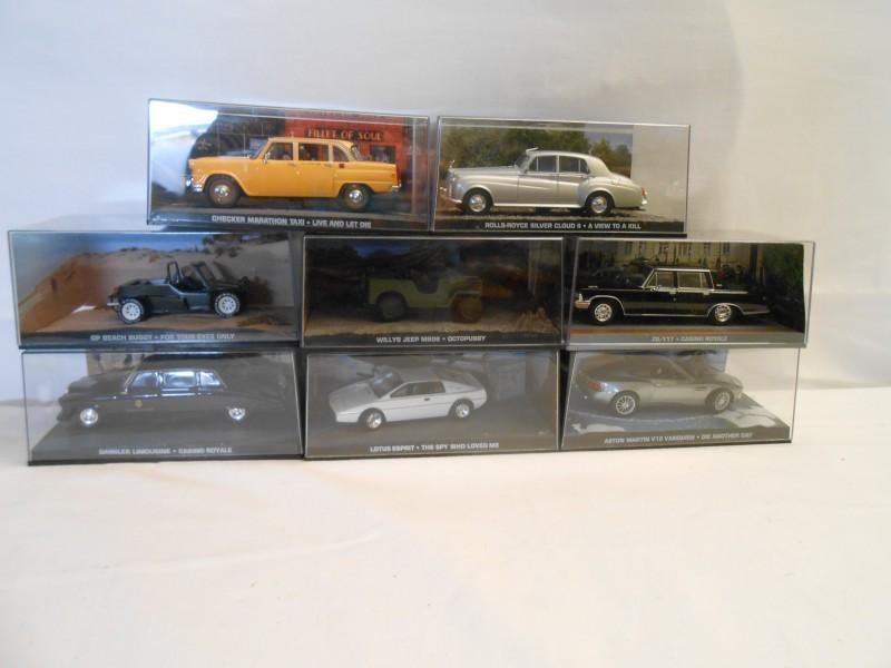 Lot 8 James Bond Wagens