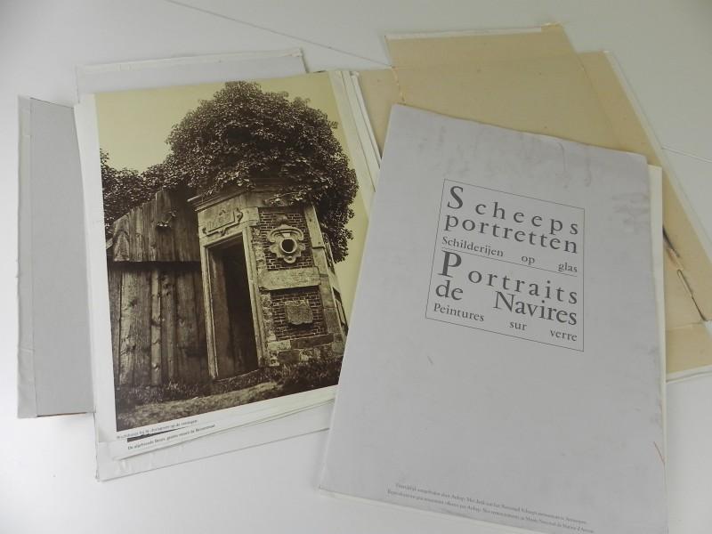 9 afdrukken van foto's Antwerpen schipperskwartier en 4 scheepsportretten in mapje