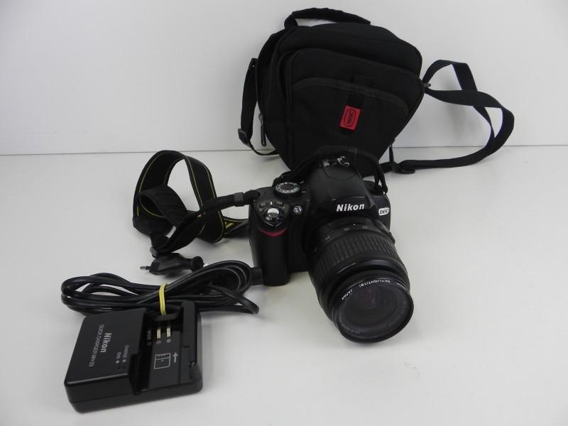 Nikon D60 spiegelreflexcamera body+ lens AF-S DX NIKKOR ED 18-55mm
