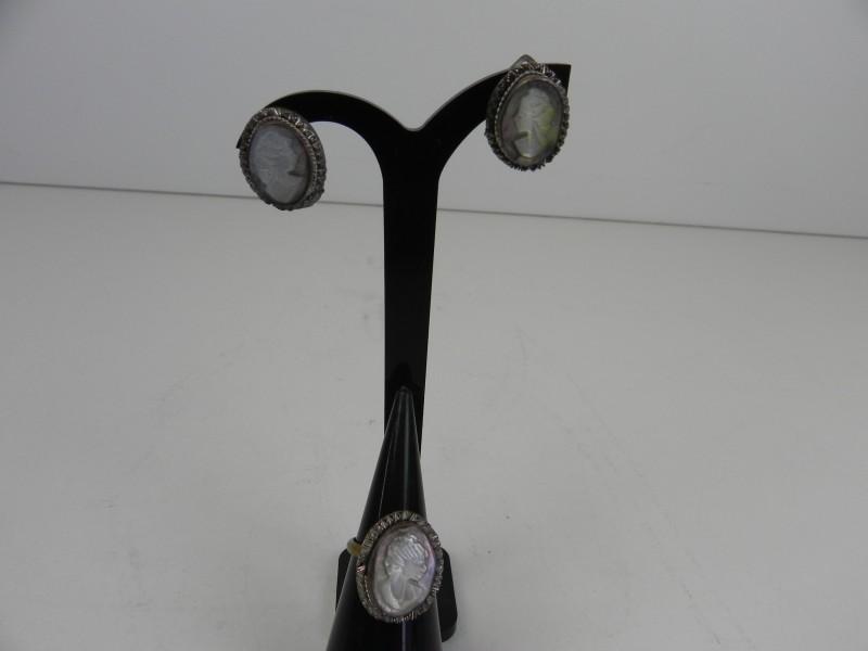 Antieke oorbellen+ ring Camee pearl gemerkt
