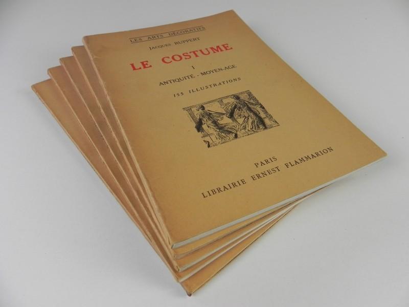 Jacques Ruppert - Les Arts Décoratifs: Le Costume N° 1 tot en met  5 - jaren '40