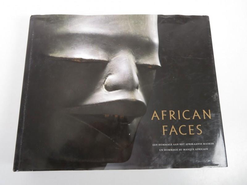 Boek - African faces - Een hommage aan het Afrikaanse masker