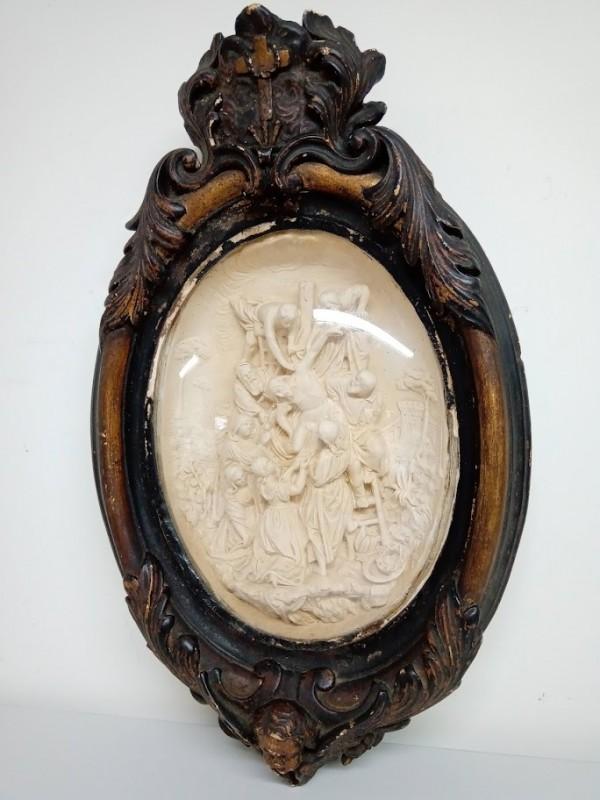 antieke ovale kader met gips beeld