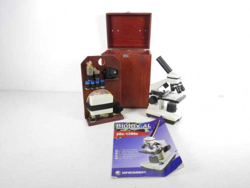 Microscoop gemerkt Bresser