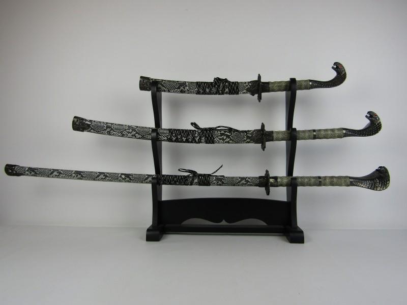 3 Samoerai Zwaarden met Staander: Cobra