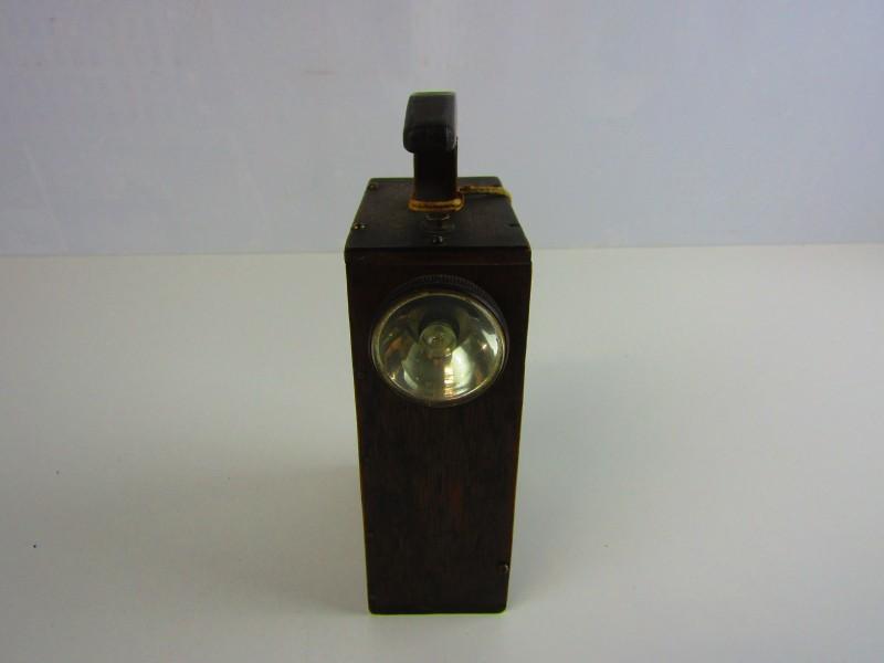 Antieke Houten Draagbare Lamp op Batterij