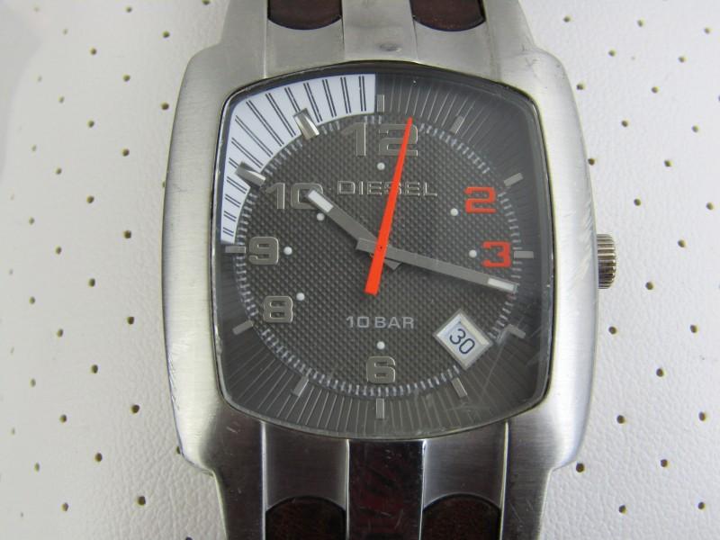 Horloge: Diesel DZ-4117, 10 Bar/330 Feet + Geschenkdoos