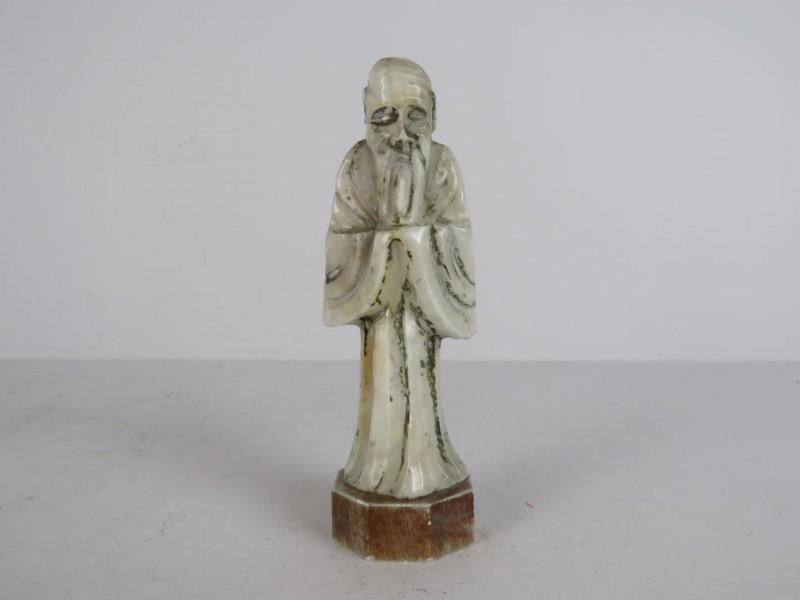 Houten kruisbeeld met koperkleurige afwerking