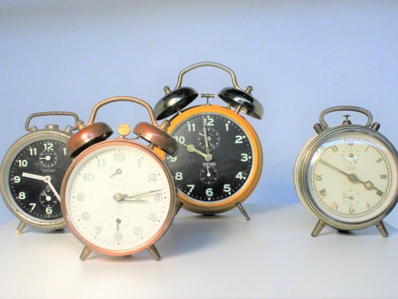 4 Vintage Wekkers