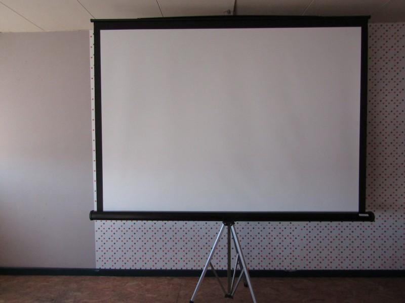 Groot Projectiescherm op Statief: Projecta