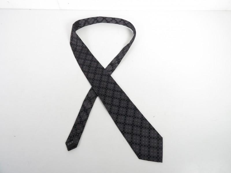 Zwarte zijden das gemerkt Tie Rack