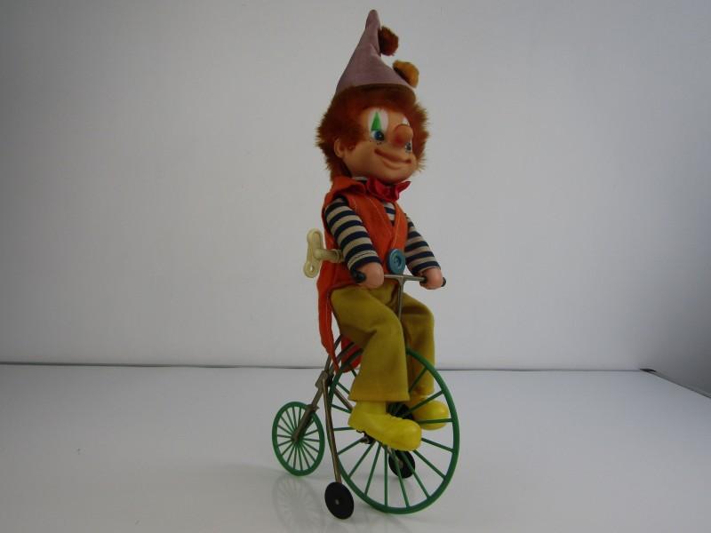 Fietsende Clown met Hoge Fiets: Juguetes Feber, Spanje
