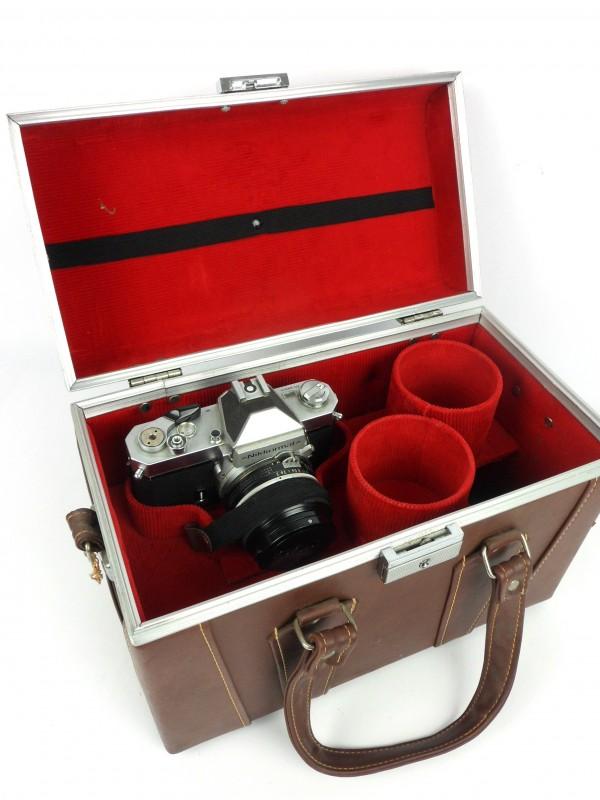 Fotocamera Nikkon met koffer