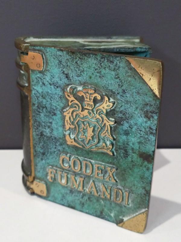 Vintage asbak in vorm van boek