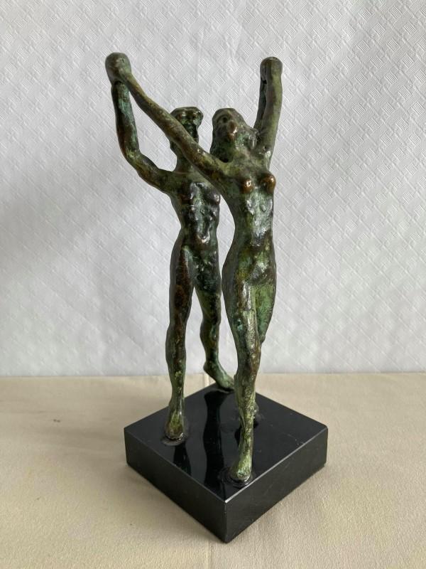 Bronzen beeld man en vrouw: Apko