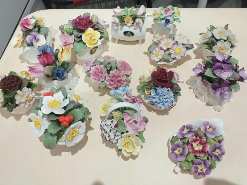porselein miniatuur bloemstukken